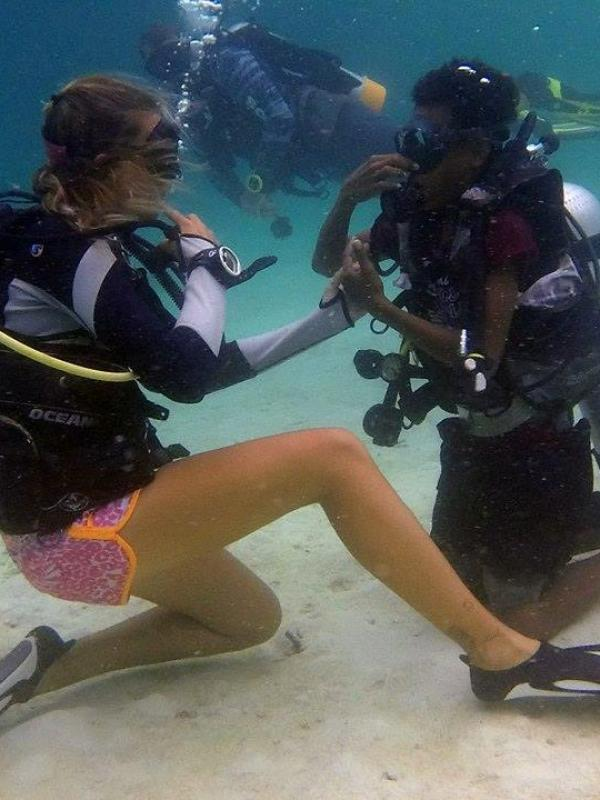 Teaching community how to scuba dive